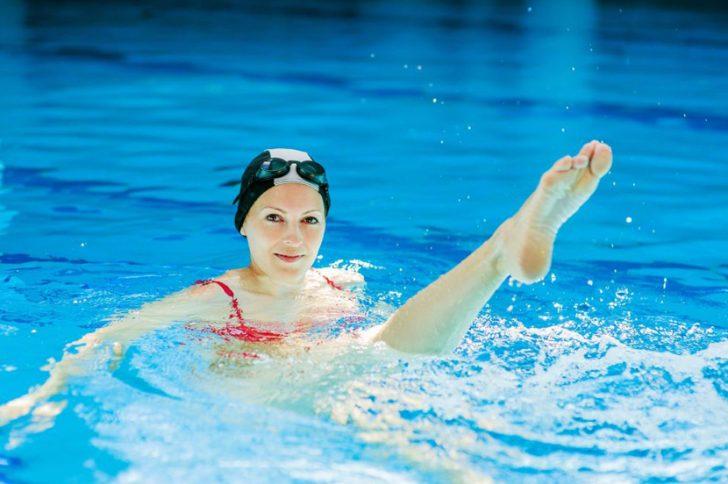 Как плавать чтобы накачать ягодицы